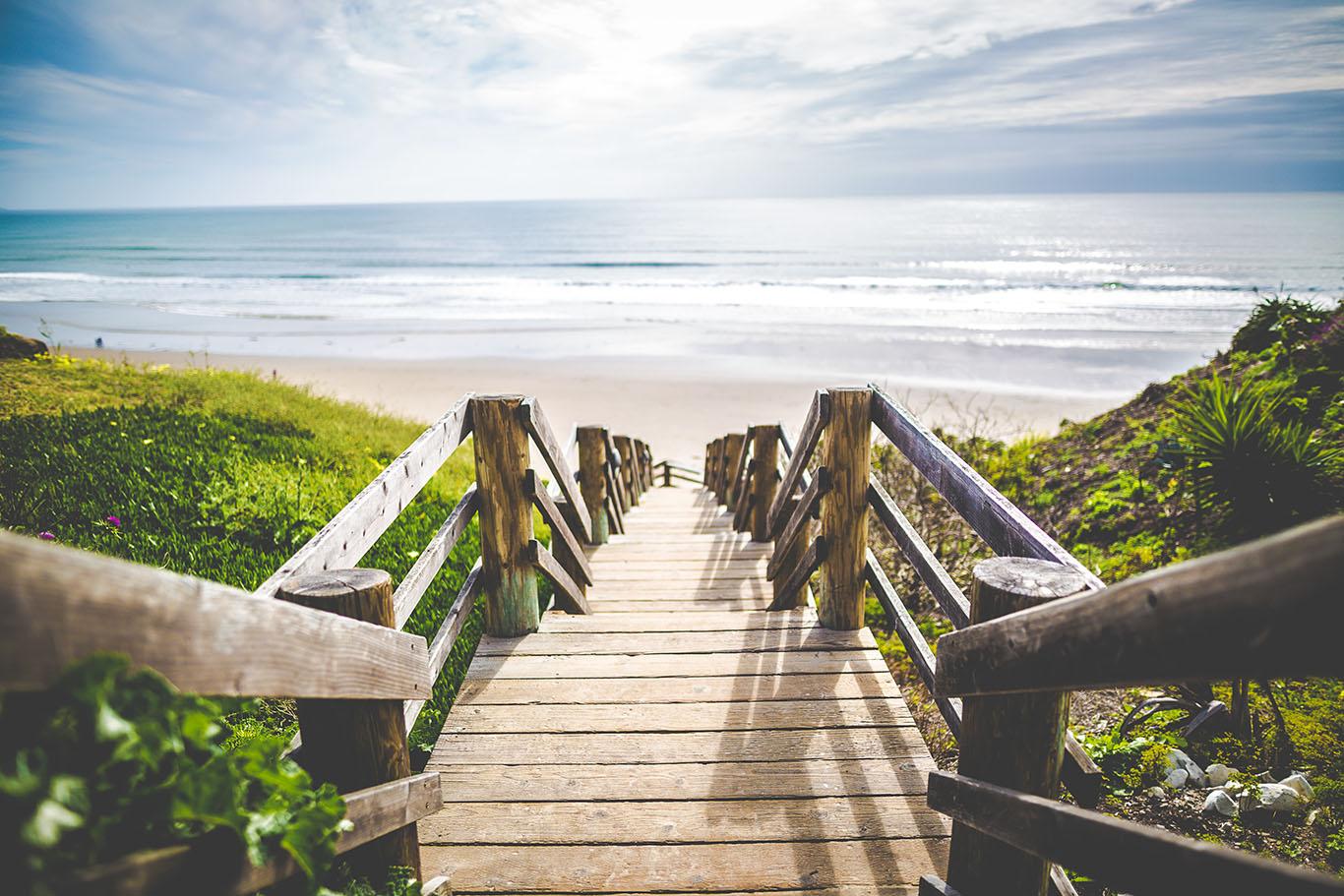 Descente vers la plage