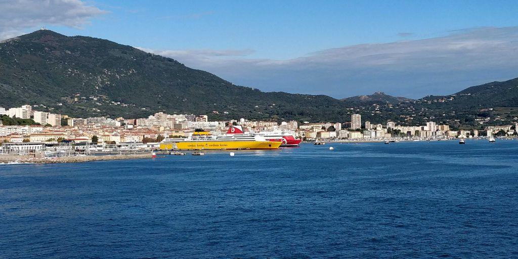 Aller en Corse en ferry